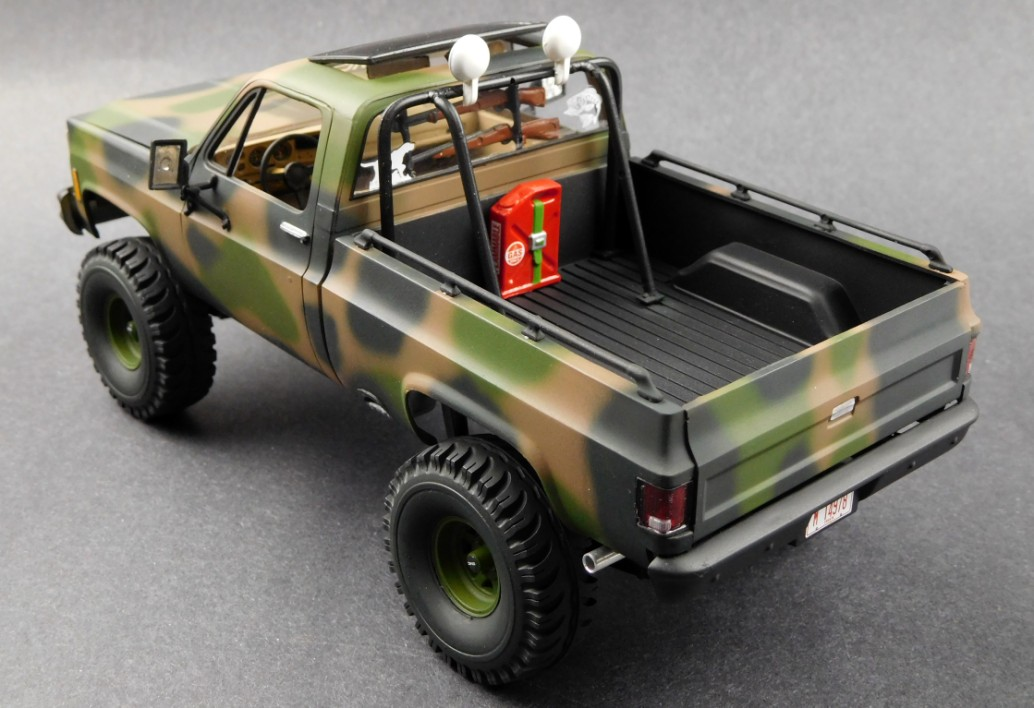 Revell 1/24 '78 GMC® Big Game Country Pickup Plastic Model